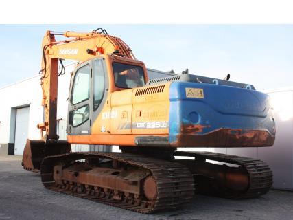 DOOSAN DX225LC 2008 Excavator tracks | Van Dijk Heavy Equipment