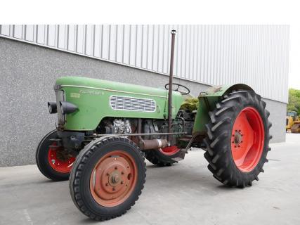 Fendt Favorit 3 1964 Vintage tractor 1 Van Dijk Heavy Equipment