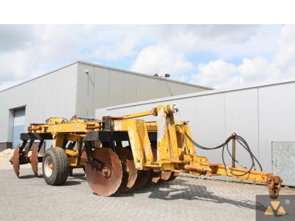 Kverneland RAU Titan V12 1996 Implement 1 Van Dijk Heavy Equipment