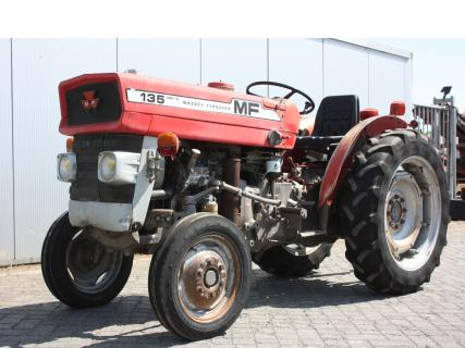 MASSEY FERGUSON 135 1977 Vineyard tractor | Van Dijk Heavy Equipment