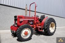 Bergmeister 654 4wd 1982 Vineyard tractor  Van Dijk Heavy Equipment