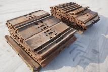 CATERPILLAR Trackshoes 349E  Undercarriage  Van Dijk Heavy Equipment
