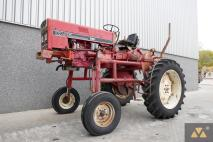 International 733E 1983 Vineyard tractor  Van Dijk Heavy Equipment