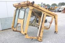 KOMATSU E-rops cab D355  Cabine  Van Dijk Heavy Equipment