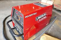 LINCOLN V350-PRO  Electric welding machine  Van Dijk Heavy Equipment