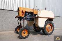 Universal 640 1987 Agricultural tractor  Van Dijk Heavy Equipment