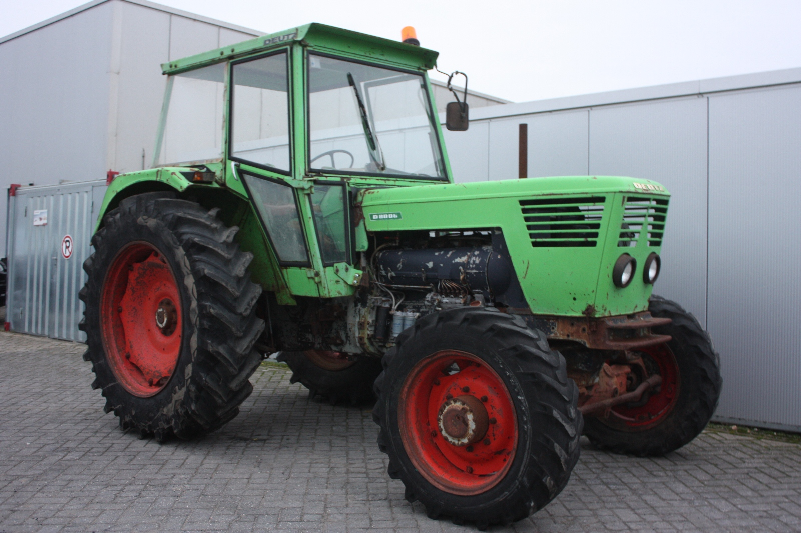 DEUTZ D8006 4wd 1971 Vintage tractor | Van Dijk Heavy Equipment