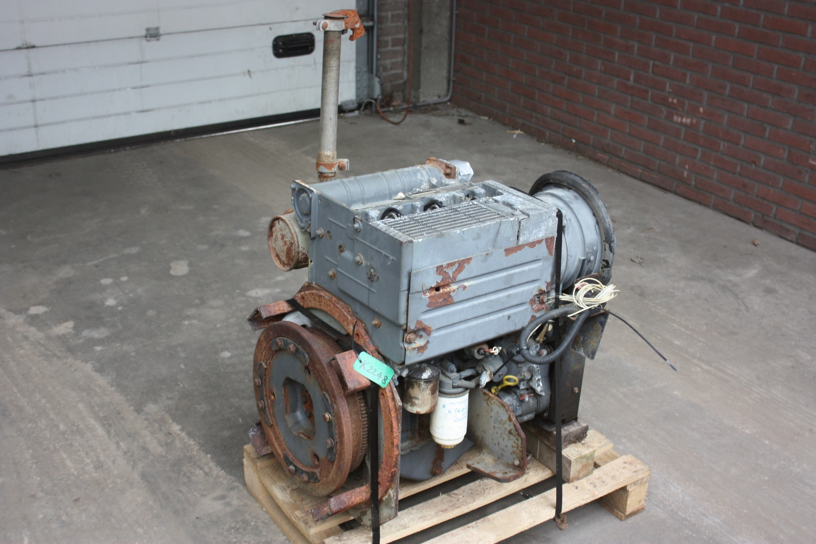 Deutz 3 cylinder diesel engine heavy equipment by autos post for Deutz motor for sale