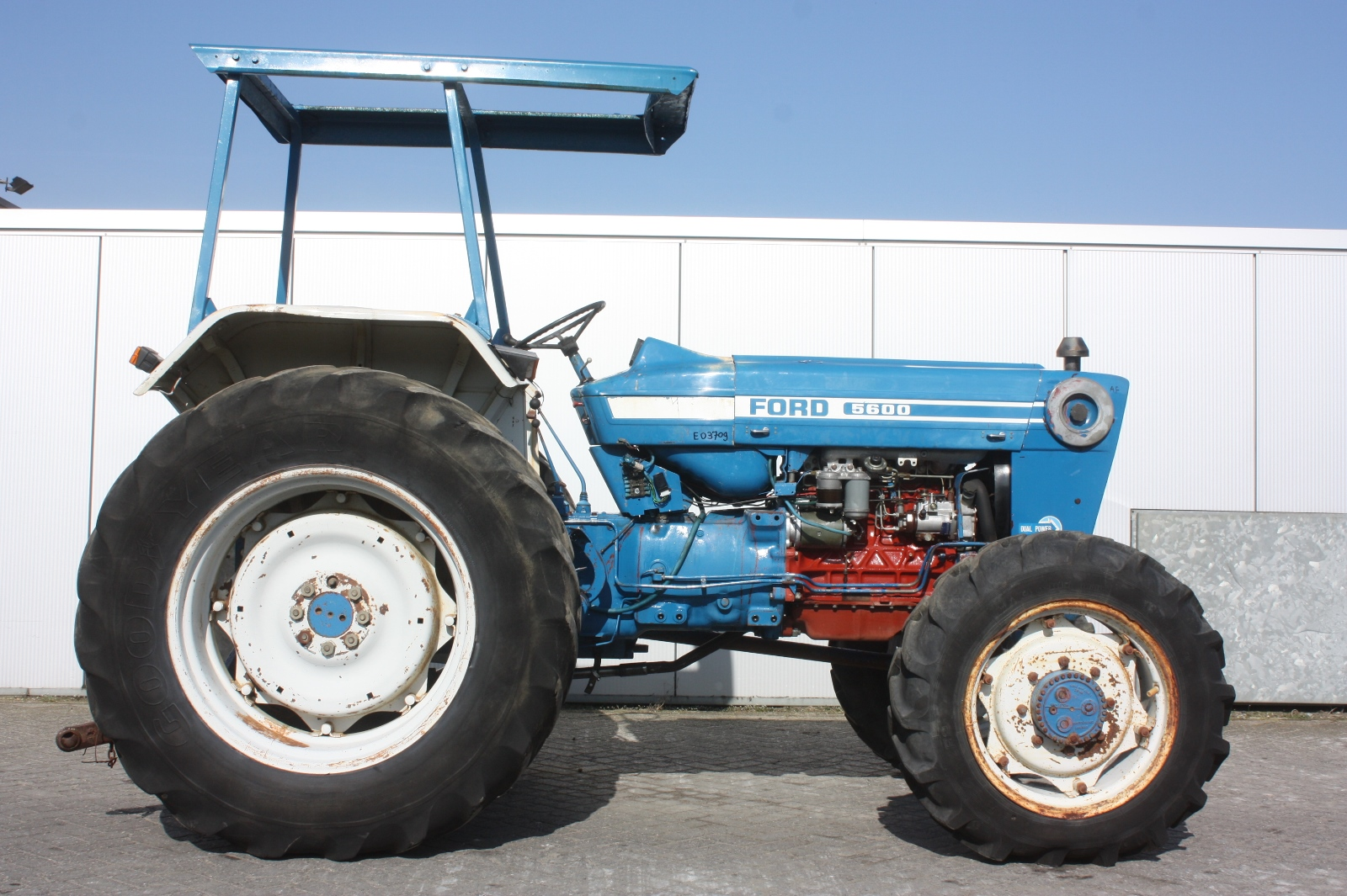Ford 5600 Tractor : Ford  agricultural tractor van dijk heavy equipment