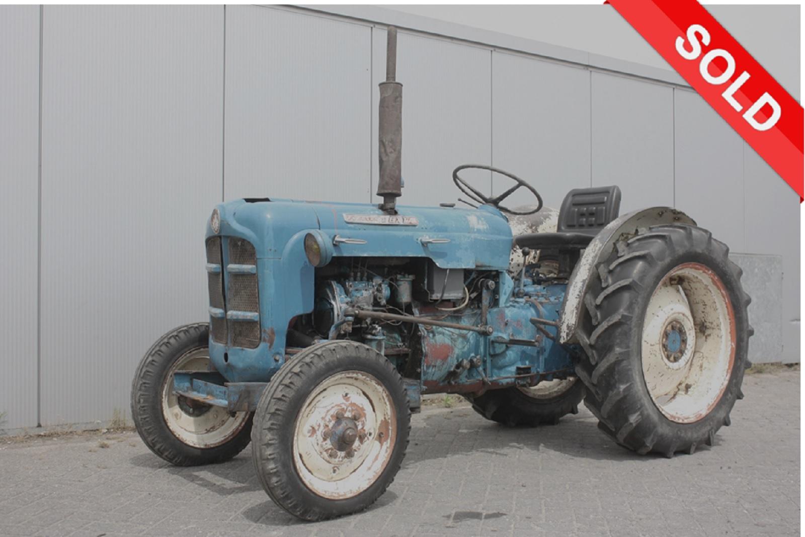 Ford Dexta Tractor : Ford dexta vintage tractor van dijk heavy equipment